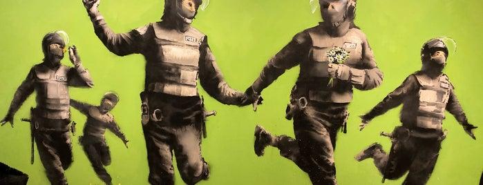 Banksy & Dali is one of Locais curtidos por Cydney.