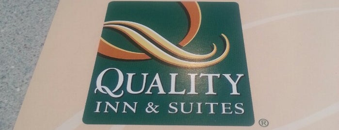 Quality INN & SUITES is one of Locais curtidos por Gabriela.