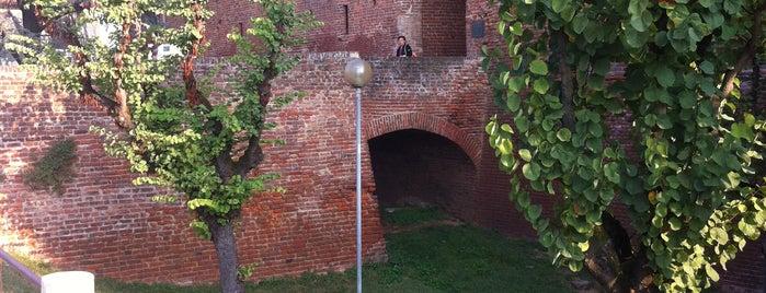Castello Visconteo is one of Luoghi di Leonardo, Naviglio di Bereguardo.