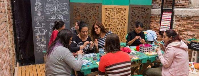 Raíces. Centro Cultural is one of Lugares favoritos de Caro.
