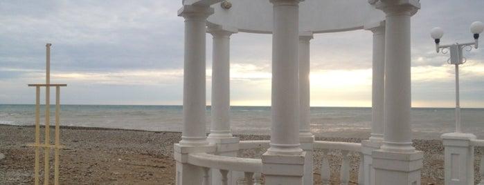 Пляж Дивноморска is one of Locais curtidos por Tanya.
