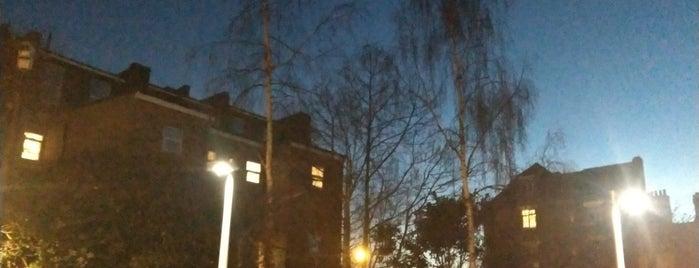 Peckham is one of London Neighboorhood.