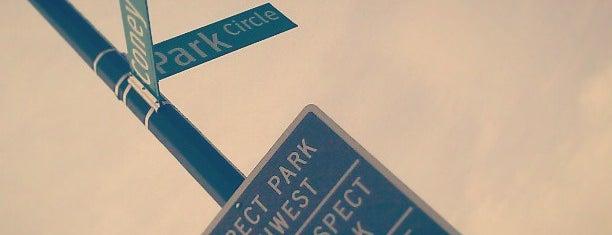 Park Circle is one of Orte, die Erica gefallen.