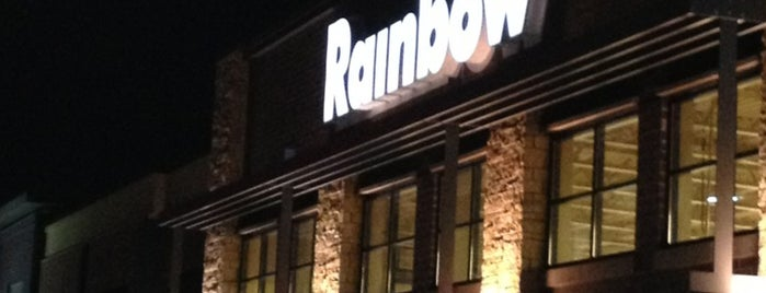 Rainbow Foods is one of Locais curtidos por Brooke.