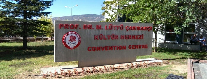 Prof. Dr. M. Lütfü Çakmakçı Kültür Merkezi is one of Dilek 님이 좋아한 장소.