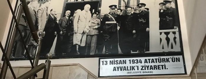 Ayvalık Hükümet Konağı is one of สถานที่ที่ Cenk ถูกใจ.
