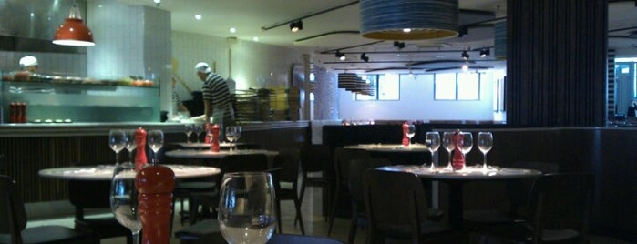 PizzaExpress is one of London (food).