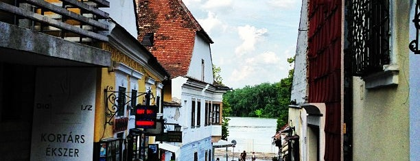 Szentendre Dunapart is one of Lugares favoritos de Csaba.