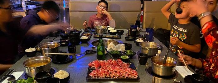 K Pot Korean BBQ & Hot Pot is one of Lieux qui ont plu à Adrian.