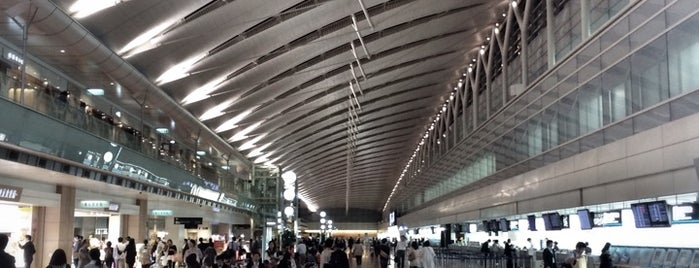 東京国際空港 (羽田空港) (HND) is one of Airports.