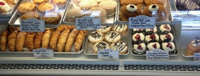 Rispoli Pastry Shop is one of Posti salvati di G.