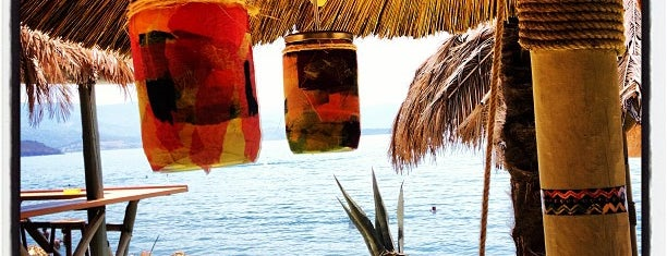 Congas Beach Bar is one of lesvos.