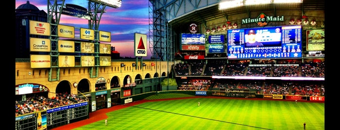 Minute Maid Park is one of Locais curtidos por Cole.