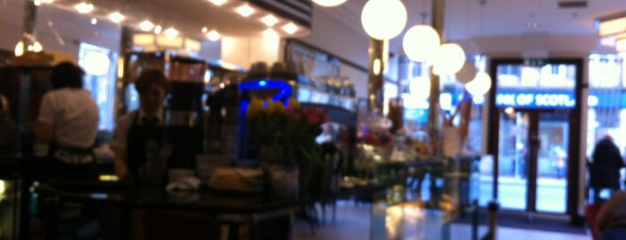 Cafe Nardini is one of Escocia.