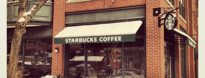 Starbucks is one of Lugares favoritos de Barbara.