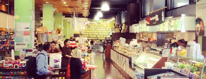 Bread & Butter is one of Tempat yang Disukai Srini.