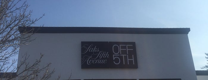 Saks Fifth Avenue - Off 5th is one of Tempat yang Disukai Rosana.