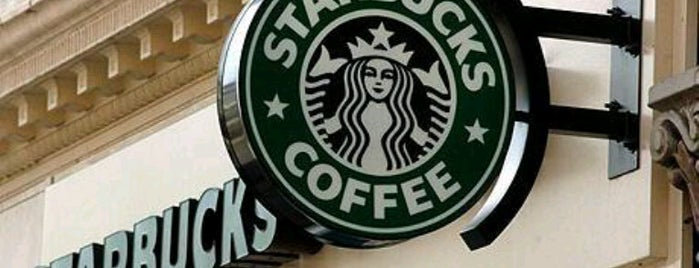 Starbucks is one of Locais curtidos por Hilda.
