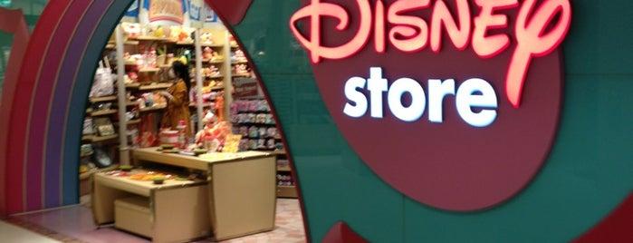 Disney Store is one of Locais curtidos por Shank.