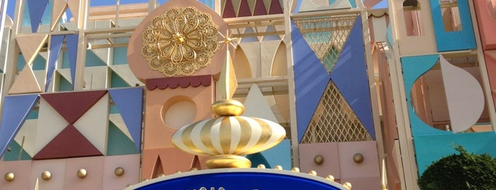 It's a Small World is one of Posti che sono piaciuti a zephy.