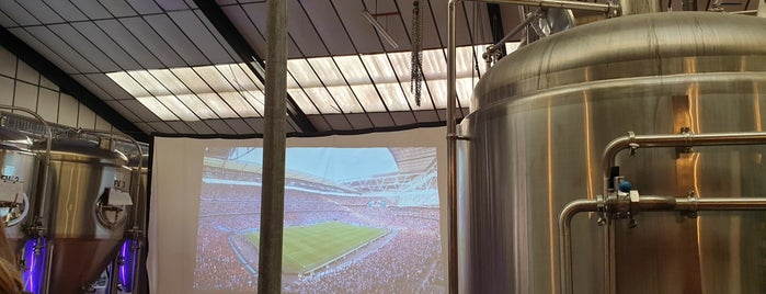 Brew York Craft Brewery & Tap Room is one of สถานที่ที่ Carl ถูกใจ.
