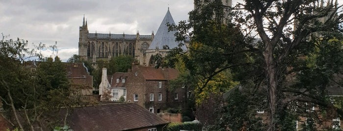 City Walls (Monkgate to Bootham) is one of Lugares favoritos de Carl.