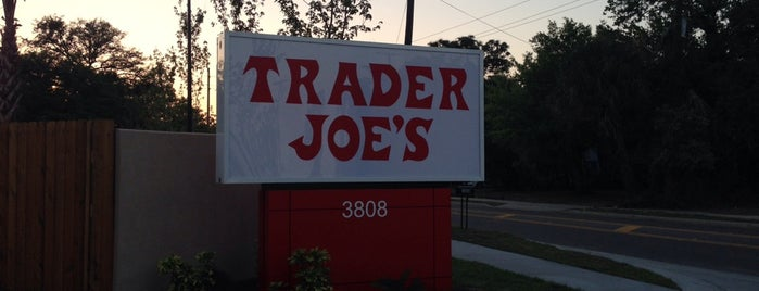 Trader Joe's is one of Tempat yang Disukai Nick.