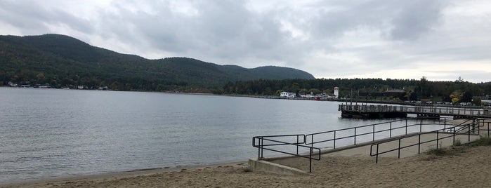 Lake George, NY is one of Fall Foliage Destinations.