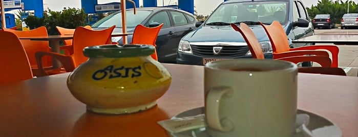 Oasis Café is one of Posti che sono piaciuti a tweety.