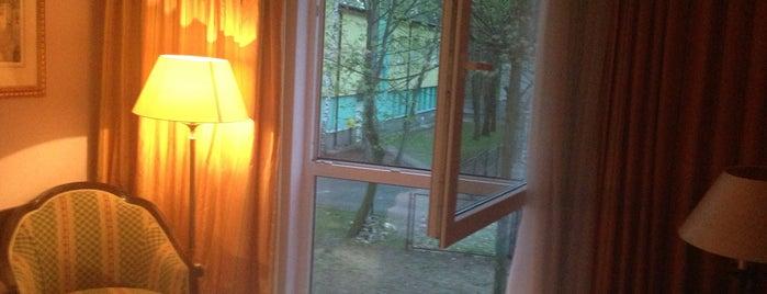 Hotel Iskra is one of สถานที่ที่ Сергей ถูกใจ.