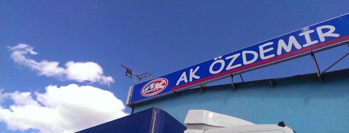 Ak Özdemir Restaurant is one of kebap.