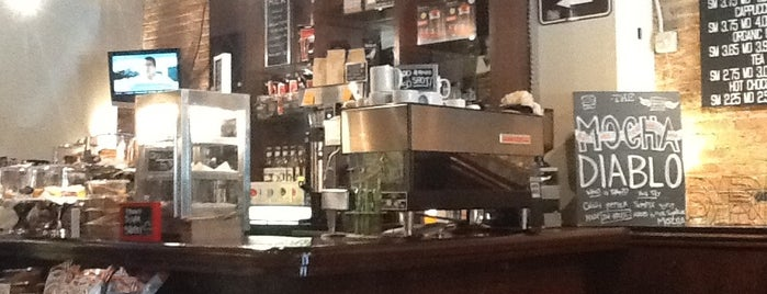 Robust Coffee Lounge is one of Independent Coffee Shops - Chicago.
