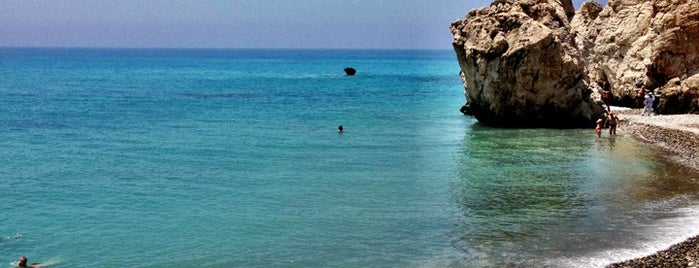 Petra tou Romiou | Rock of Aphrodite is one of Posti che sono piaciuti a Guille.