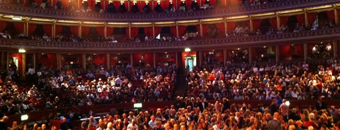 Royal Albert Hall is one of Orte, die Jeshua gefallen.