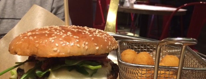 Ketch Up Burgers is one of Lieux sauvegardés par Daria.