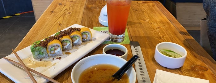 Sushi Roll is one of Tempat yang Disukai Arizbeth.