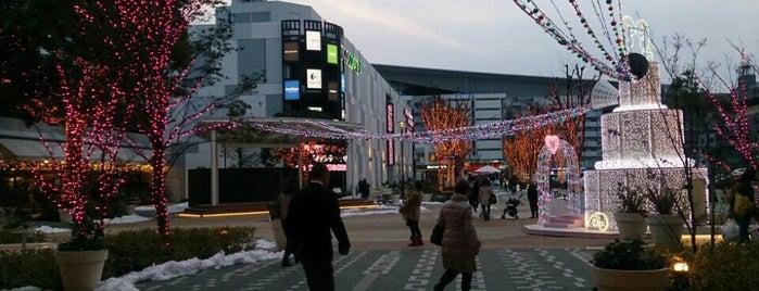コクーンひろば is one of สถานที่ที่ papecco2017 ถูกใจ.