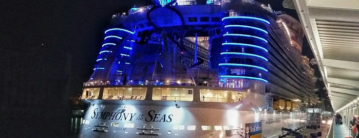 RCCL Symphony Of The Seas is one of Barclona برشلونه.