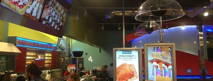 Cafe Zupas is one of สถานที่ที่ Rich ถูกใจ.