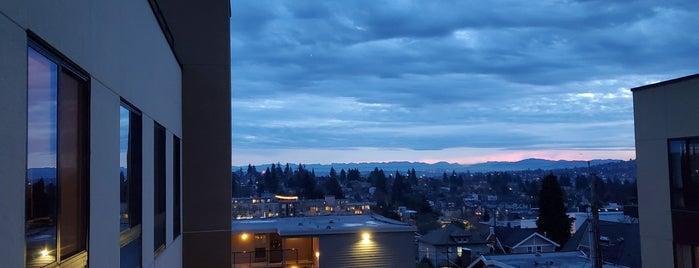 Staybridge Suites Seattle - Fremont is one of Jennifer 님이 좋아한 장소.
