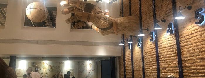 Pelayo Gastro Trinquet is one of สถานที่ที่บันทึกไว้ของ Clara.