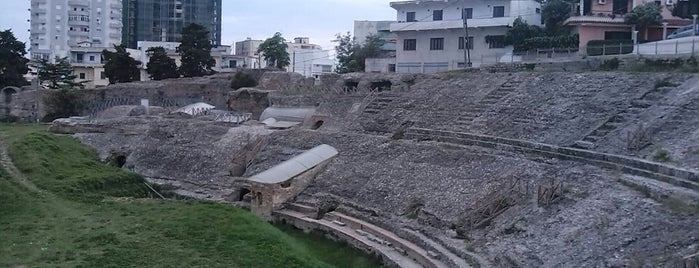 Durres Amphitheater is one of Tempat yang Disukai Carl.