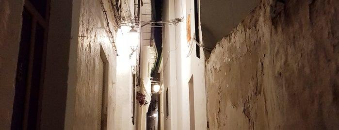 Barrio de la Villa is one of Ed'in Kaydettiği Mekanlar.