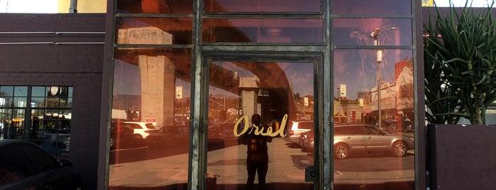 Oriel is one of Tempat yang Disimpan Fletch.