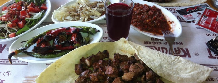 Kavuret Kebap Ciğer Salonu is one of İzmit.
