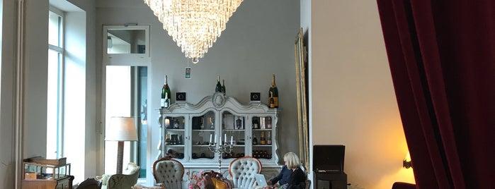 Cafe Berlin is one of Gespeicherte Orte von Martina.