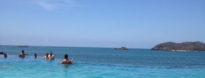 Infinity Pool Azul Grand is one of Ixtapa.