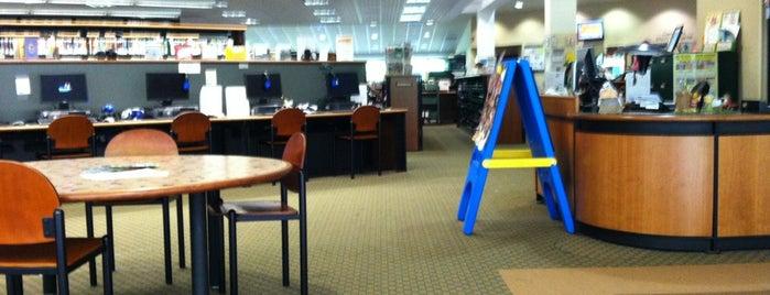 Ringwood Public Library is one of Crystal : понравившиеся места.
