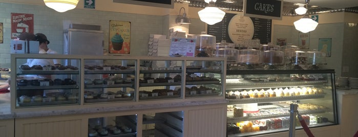 Magnolia Bakery is one of Polanco.