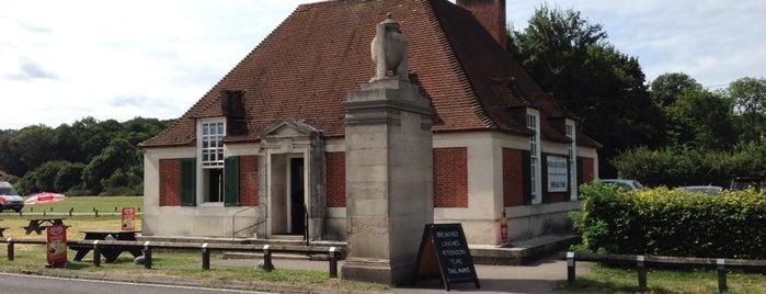 Magna Carta tea-room is one of Del : понравившиеся места.
